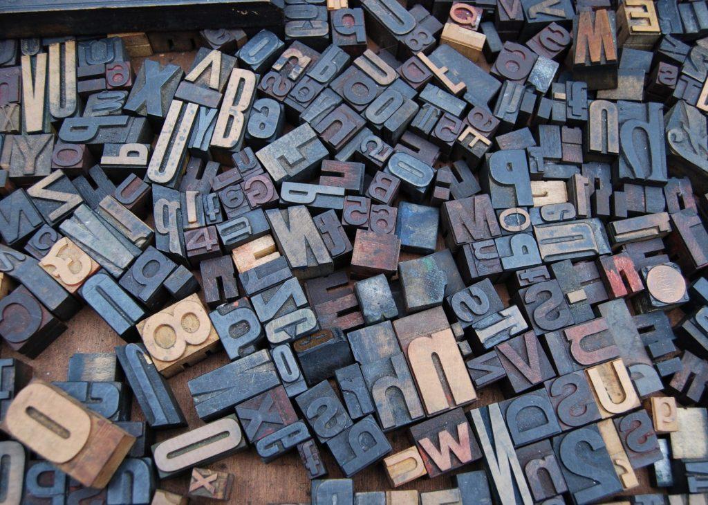 Caractères d'imprimerie pour rédaction print